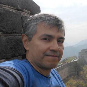 Victor Vargas, 51, Guadalajara, Mexico