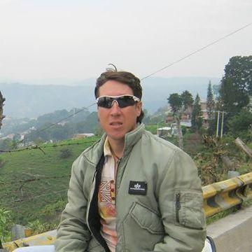 YADER BETANCOURT, 36, San Gil, Colombia