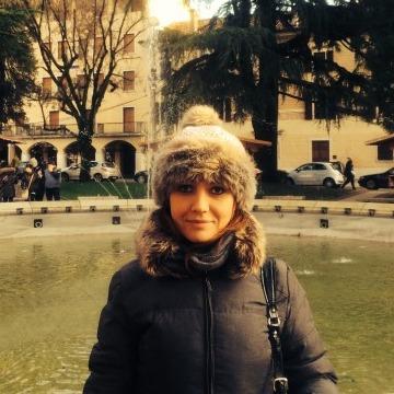 Elly, 37, Belluno, Italy
