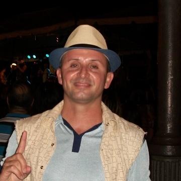 Leo Leon, 45, Arecibo, Puerto Rico