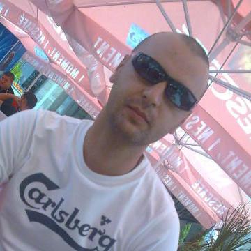 Robert Gaboru, 37, Craiova, Romania