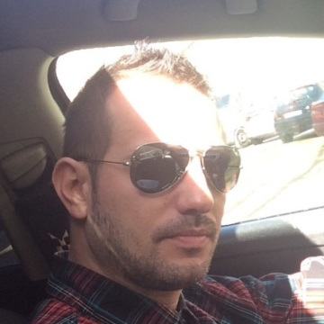 Sergio Gemelako, 37, Madrid, Spain
