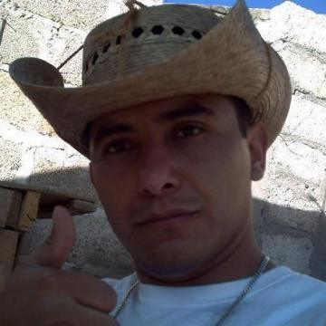 Omar Dominguez Monter, 36, Nezahualcoyotl, Mexico