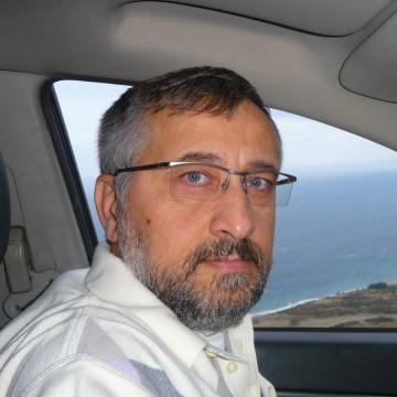 Demir, 53, Istanbul, Turkey