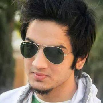 shah, 19, Islamabad, Pakistan