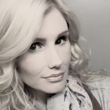 Neisa Cooley, 31, Evansville, United States