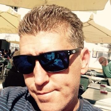 Manuel Naranjo Peral, 42, Madrid, Spain