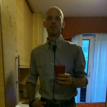 sghi , 46, Parma, Italy