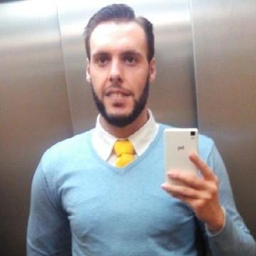 Manu, 29, Adeje, Spain