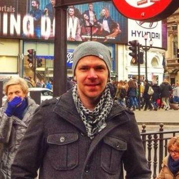 Chris Reynolds, 36, Barcelona, Spain