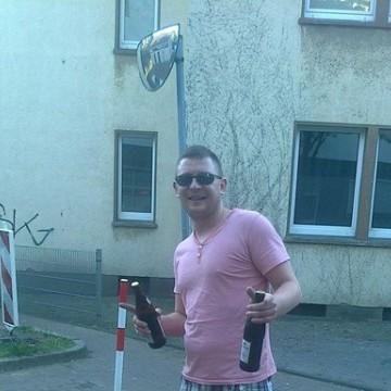 Michał Zawadzki, 31, Mulheim an der Ruhr, Germany