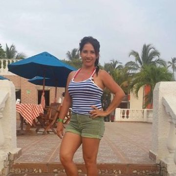 cecilia, 35, Itala, Italy