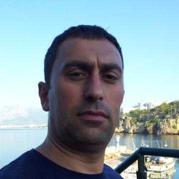 Serdar Cirit, 39, Istanbul, Turkey