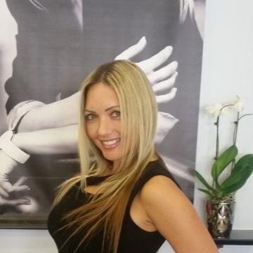 Yana Strawn, 37, Calabasas, United States