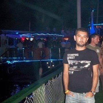Alper, 29, Istanbul, Turkey