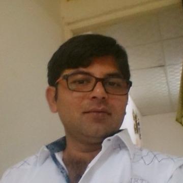 Mubashir Ul Hassan, 32, Dubai, United Arab Emirates