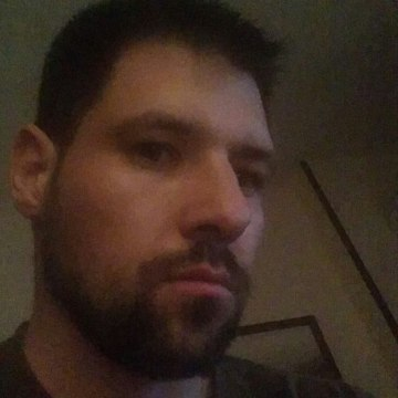 Dan Giugliano, 31, Napoli, Italy