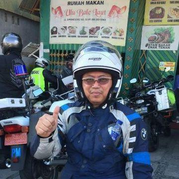 salman, 43, Bogor, Indonesia