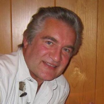 Steve Jones, 51, Craiova, Romania