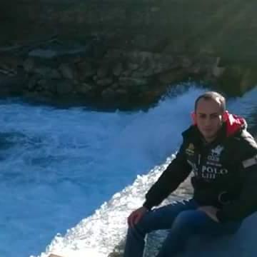 Leon, 28, Tarragona, Spain