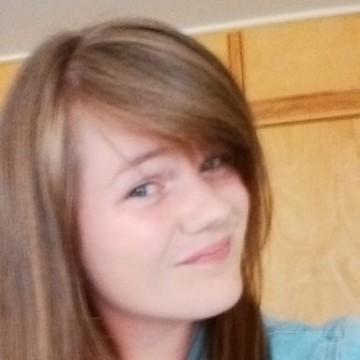 Jacquelyn, 22, Nanaimo, Canada