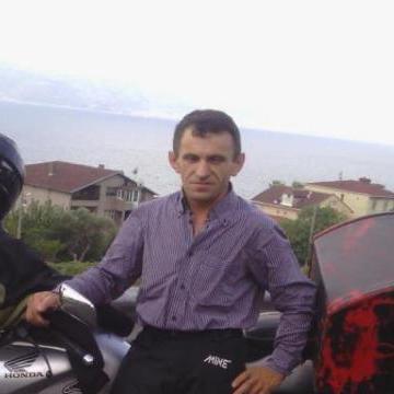 Riza Özden, 46, Istanbul, Turkey