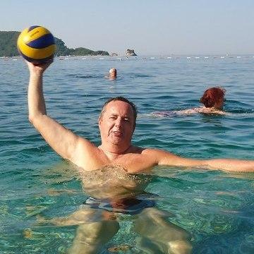 Dragan Minic, 56, Budva, Montenegro