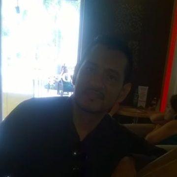 Emmanuel Pérez, 41, Tampico, Mexico