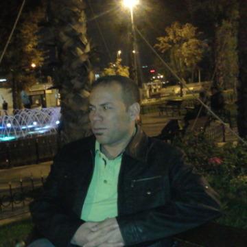 Yarub, 45, Istanbul, Turkey