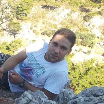 Onur Tekir, 32, Izmir, Turkey