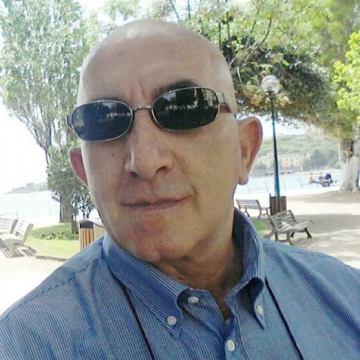 Roby Russo, 59, Buonabitacolo, Italy