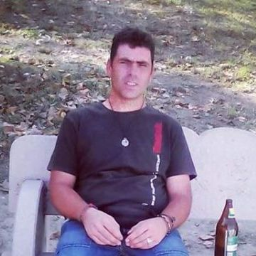 Rafael Linares Nievas, 33, Malaga, Spain