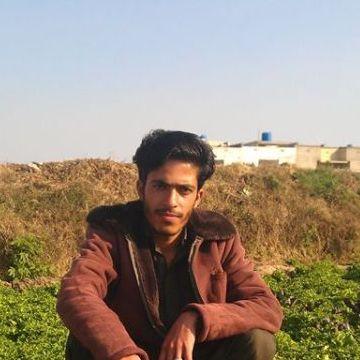 adil, 23, Islamabad, Pakistan