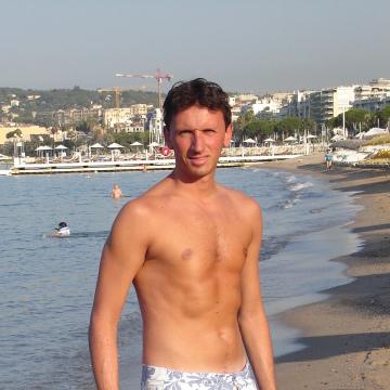 Andrew, 34, Novara, Italy