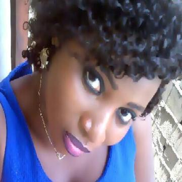 curvy, 25, Lagos, Nigeria