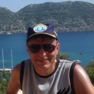 Hikmet, 46, Istanbul, Turkey