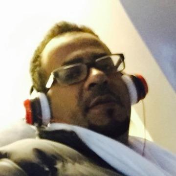 Khalid, 40, Jeddah, Saudi Arabia
