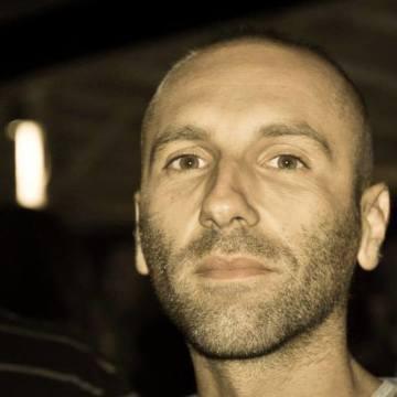 Maurizio, 37, Pisa, Italy