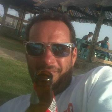 Tomares Miki, 43, Sevilla, Spain