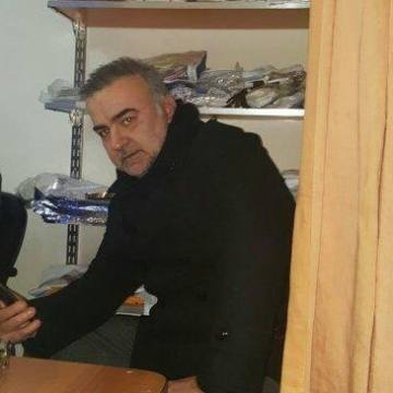 Selim Gölge, 42, Istanbul, Turkey