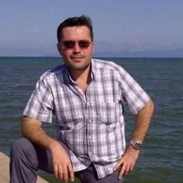 Cihan Arslan, 33, Istanbul, Turkey