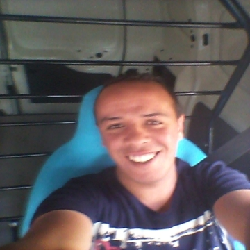 smail, 29, Algiers, Algeria