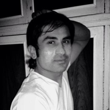 Waseem , 27, Brescia, Italy