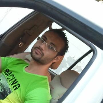 Milad, 31, Doha, Qatar