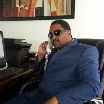 Daf Awad, 39, Dubai, United Arab Emirates