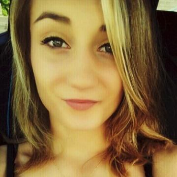 Gwen, 22, Bordeaux, France