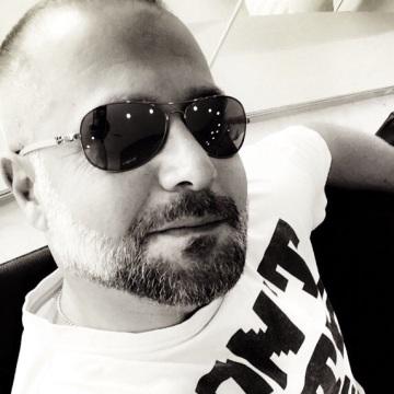 BUZ , 40, Dubai, United Arab Emirates