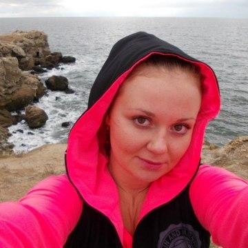 Елена, 26, Tyumen, Russia