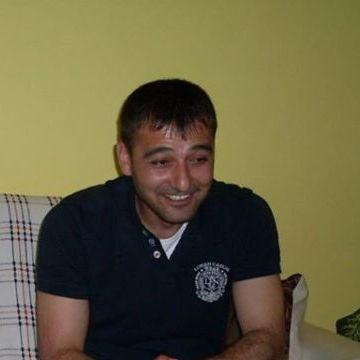 Tekin Ballı, 37, Izmir, Turkey