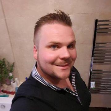 Will Woolmer, 32, Northampton, United Kingdom